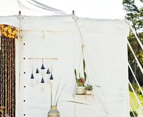 Ta udoben romantičen kotiček si letos preprosto morate ustvariti! (+ poglejte, kje kupiti čudovite dodatke)