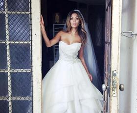Poroka: 10 legendarnih poročnih oblek zvezdnic