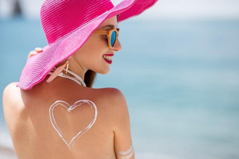 5 hitrih nasvetov, kako se zaščititi pred soncem