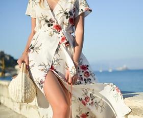 Ženska poletna torbica: Kaj je tisto, kar resnično potrebujete v njej?