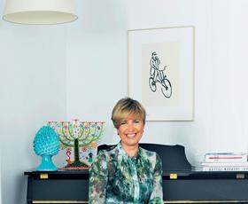 Spoznajte Iris Jeraj Peterca, damo z vizijo in edinstvenim modnim slogom!