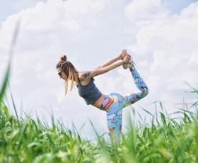 Kaj uživati pred, med in po vadbi? (popoln načrt za jedilnik)
