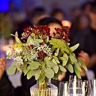 Cvetlični aranžmaj Gardenia v vazi Steklarne Rogaška (foto: Igor Zaplatil)