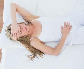 TA joga položaj ublaži menstrualne bolečine!