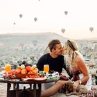 TO sta Slovenca, ki sta ljubezen do potovanj spremenila v službo!