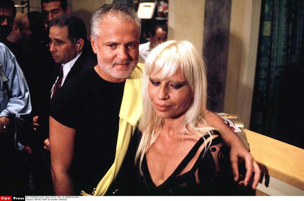 ZATO si Donatella Versace ne bo ogledala nove serije o smrti Giannija Versaceja! - Foto: profimedia