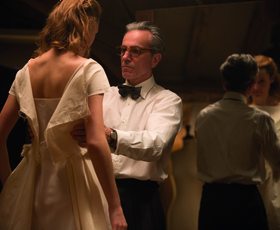NAGRAJUJEMO: Z Elle na filmsko premiero filma Fantomska nit
