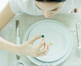 Ste prepričani, da veste kateri vitamini so pravi za vaše težave?