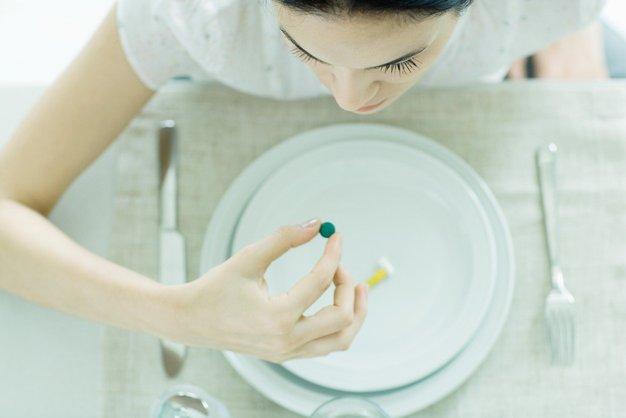 Ste prepričani, da veste kateri vitamini so pravi za vaše težave? - Foto: Profimedia