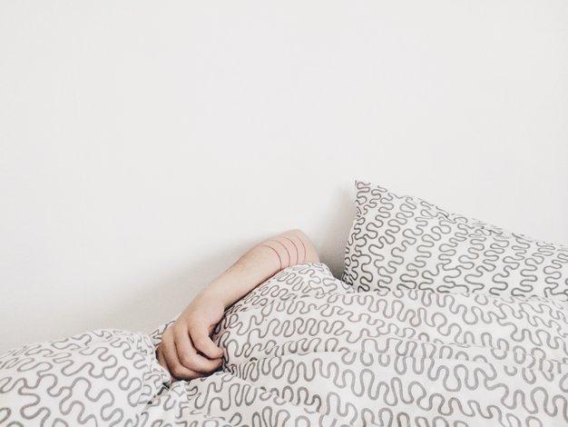 IKEA je predstavila rešitev za pare, ki si kradejo odejo! - Foto: ELizabeth Lies / Unsplash