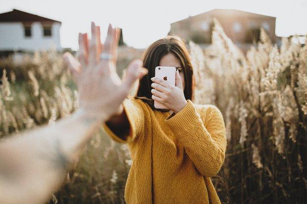 TRIKI, ki bi jih morali poznati VSI uporabniki iPhona! - Foto: Adrian Sava / Unsplash
