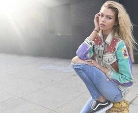 TO so triki, ki stilistom pomagajo najti pravi par (vintidž) džinsa!