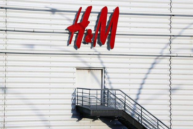 H&M je razkril oblikovalca nove omejene kolekcije in tu so že prvi kosi! - Foto: Profimedia