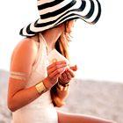 TRIK kako iz oblačil odstraniti madeže sončne kreme!