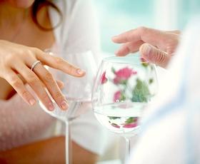6 stvari, ki že na prvem zmenku kažejo, da on NI za vas!