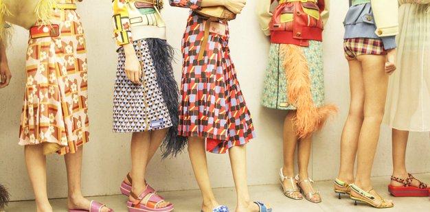 4 modni trendi, na katere prisegajo pri Pradi (+ lotite se jih tudi vi!) - Foto: Profimedia