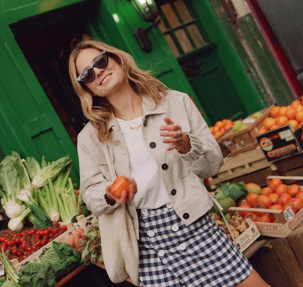 Če vam je všeč minimalni slog Skandinavk, so to čevlji za vas! - Foto: Instagram.com/@LucyWilliams