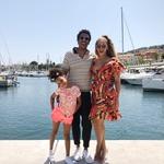 ... je družinica odletela k obali in glede na to, da se Beyonce pripravlja na koncert v Nemčiji, so svoje počitnice najverjetneje preživeli v Evropi. (foto: Profimedia)