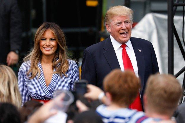 Ker zakonca Trump v javnosti navadno delujeta zelo nedostopno, je javnost tokrat presenetilo dejstvo, da sta Melania in Donald kar ...