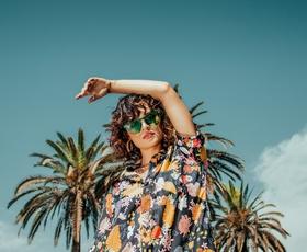 TRIK, ki vam bo pomagal izbrati prava sončna očala glede na obliko obraza!