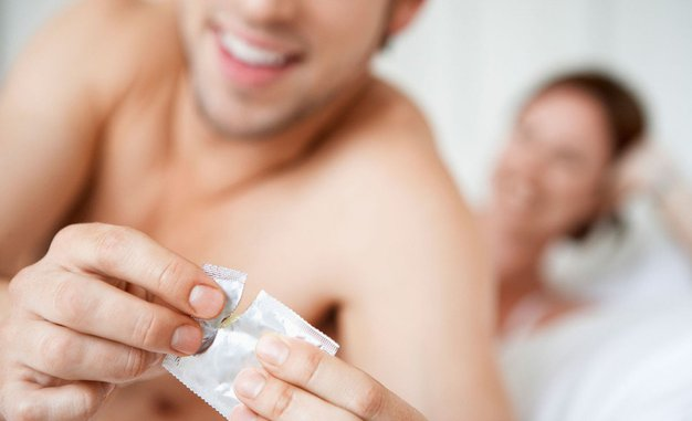 TOP trik kako do večjega užitka, če uporabljata kondom - Foto: Profimedia