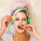 5 priljubljenih lepotnih trikov, ki se jim raje izognite!