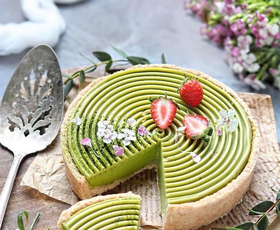 Vikend recept: Matcha panna cotta torta (veganska, brez glutena in predelanih sladkorjev)