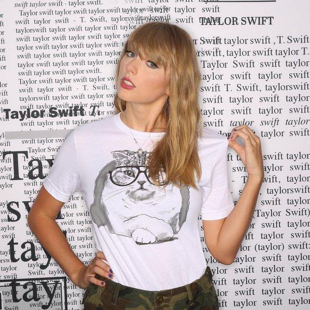 Novo obdobje džinsa: Kombinirale ga bomo kot Taylor Swift! - Foto: Profimedia