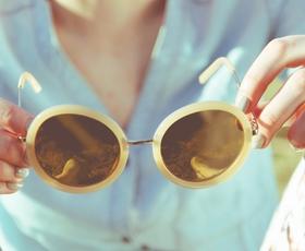 TRIK: Okulisti razkrivajo preprost način, kakoučinkovito očistiti stekla očal
