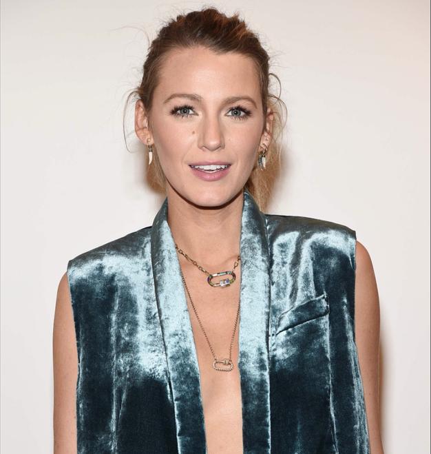Našle smo popoln jesenski blazer in nosile ga bomo kot Blake Lively! - Foto: Instagram.com/blakelively