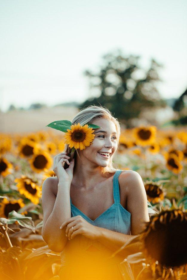 To je modni kos, ki vam je to jesen pisan na kožo! (glede na vaše nebesno znamenje) - Foto: Unsplash.com/Blake Cheek