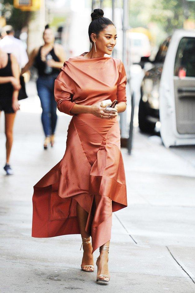 Modna javnost to jesen obožuje eno barvo, in to je ... - Foto: Profimedia