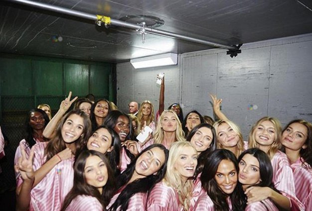 Ste že slišali, kdo je novo dekle med Viktorijinimi angelčki? - Foto: Profimedia