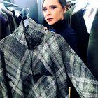 Victoria Beckham je VROČI trend jeseni kombinirala čisto po svoje (in ZMAGALA!)