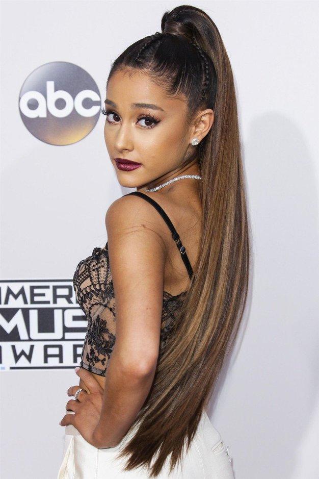 Ariana Grande je ostrigla svoje dolge lase! Poglejte, kako je videti sedaj! - Foto: Profimedia