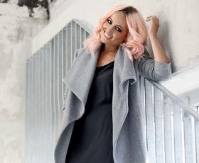 Uau! Poglejte, kako je Nina Šušnjara kombinirala 3 najbolj modne kose te sezone!