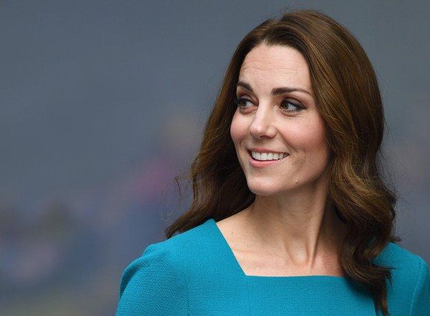 Preverite, katerih modnih kosov Kate nikoli več ne obleče ...