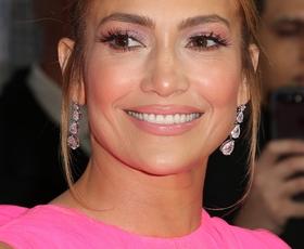 Ste videli modni stajling Jennifer Lopez, o katerem govorijo vsi?