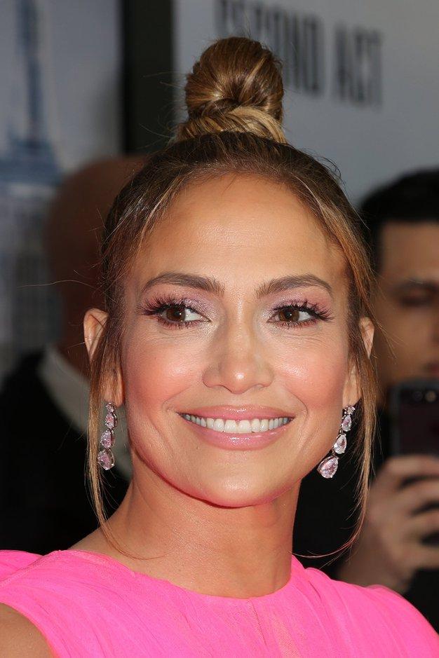 Ste videli modni stajling Jennifer Lopez, o katerem govorijo vsi? - Foto: Profimedia