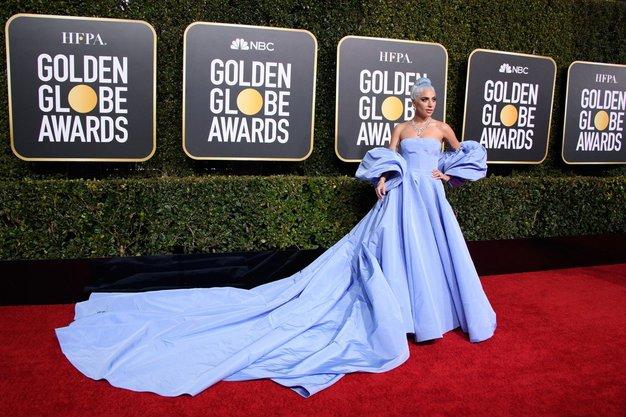 Lady Gaga v obleki Valentino Couture