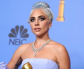 Lady Gaga je izbrala popoln trenčkot za letošnjo pomlad! (+ 4 različice)