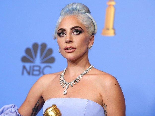 Lady Gaga je izbrala popoln trenčkot za letošnjo pomlad! (+ 4 različice) - Foto: Profimedia