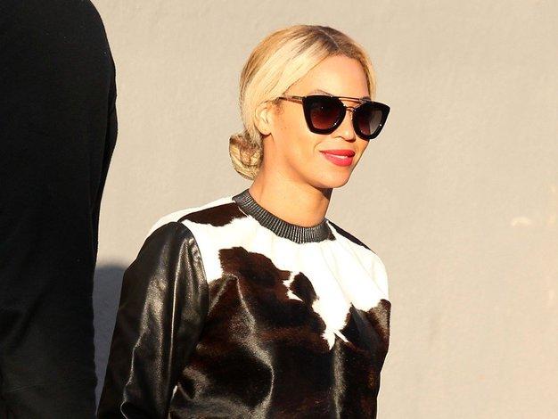 Pozor, kravji vzorec je novi leopardji vzorec! Poglejte, kako ga nositi - Foto: Profimedia