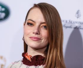 Emma Stone ni več rdečelaska! Poglejte, kako je videti sedaj