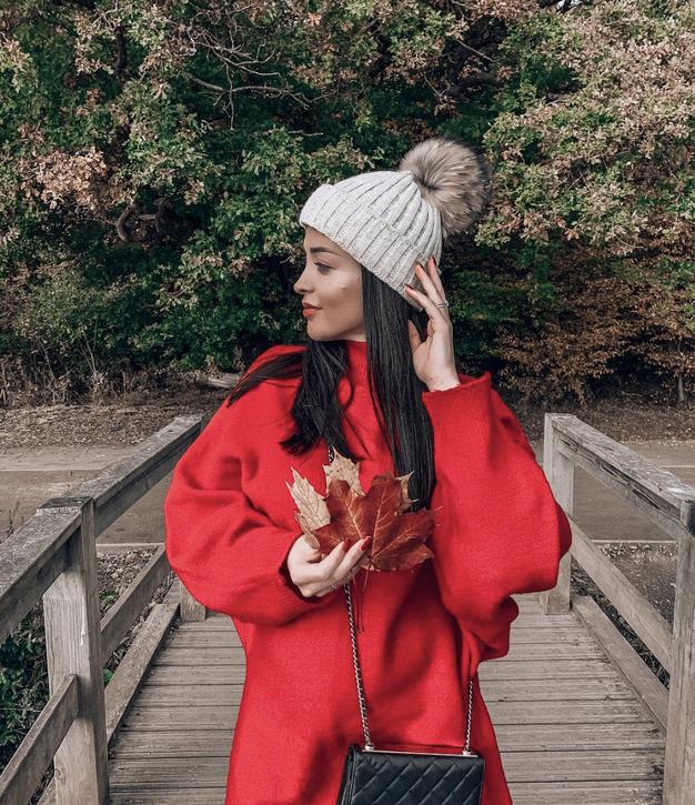 Krilo, ki ga je nosila Sanja Grohar, je popolno za letošnje leto - Foto: Instagram/ @sanjagrohar