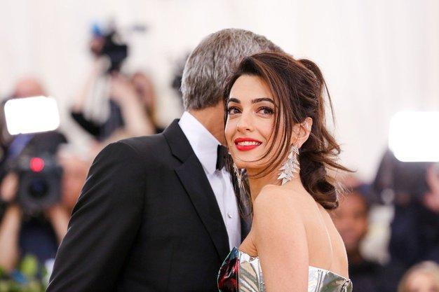Poglejte najlepše stajlinge Amal Clooney ...