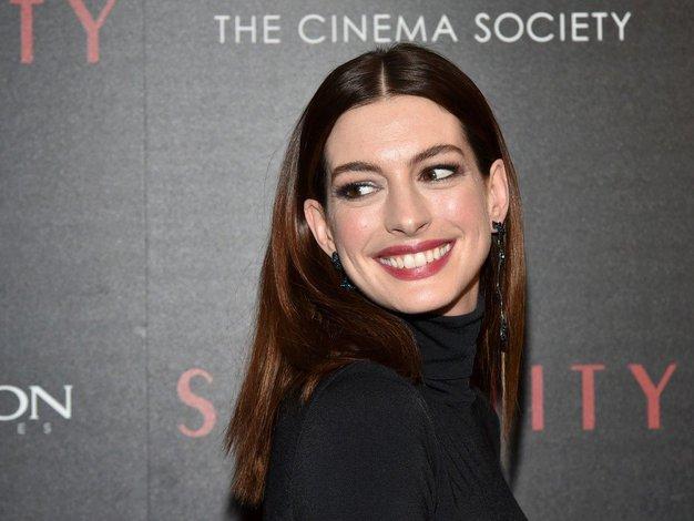To je krilo, s katerim nas je očarala Anne Hathaway! - Foto: Profimedia