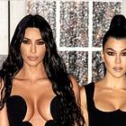 Ste videli mali črni oblekici Kim in Kourtney Kardashian? #drzno