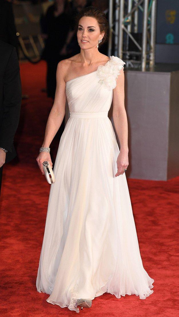 Kate Middleton v obleki Alexander McQueen