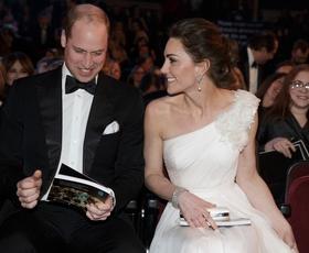 Nagrade BAFTA: Kate Middleton nas je osupnila v čudoviti beli obleki